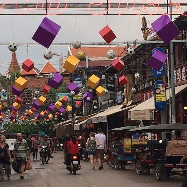 Cambodia-Siem-Reap-pub-street