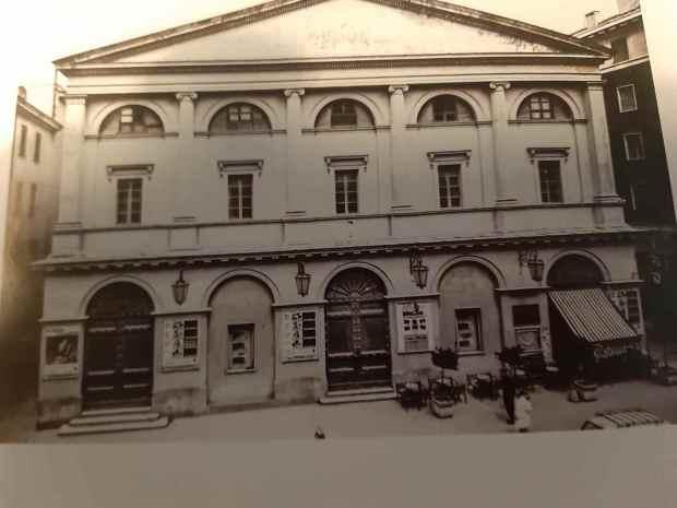 Carlo Teatro Interno